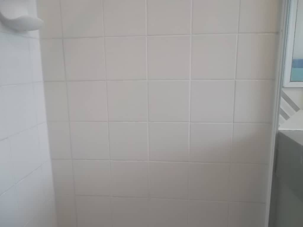 Bathroom tile grout repair